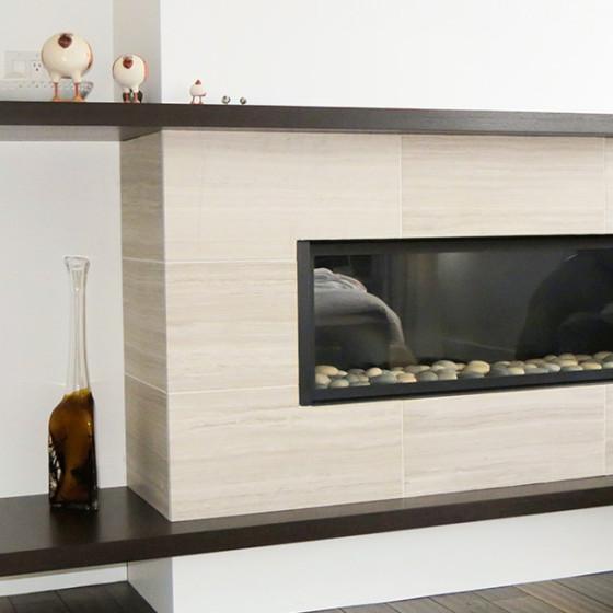 Recouvrement en marbre d'un foyer